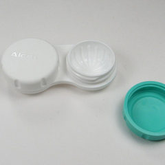 contact lens case with one side open